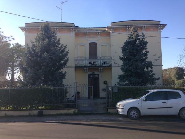 Villa antica stile liberty anno 1903 - Villa Bartolomea - Villa