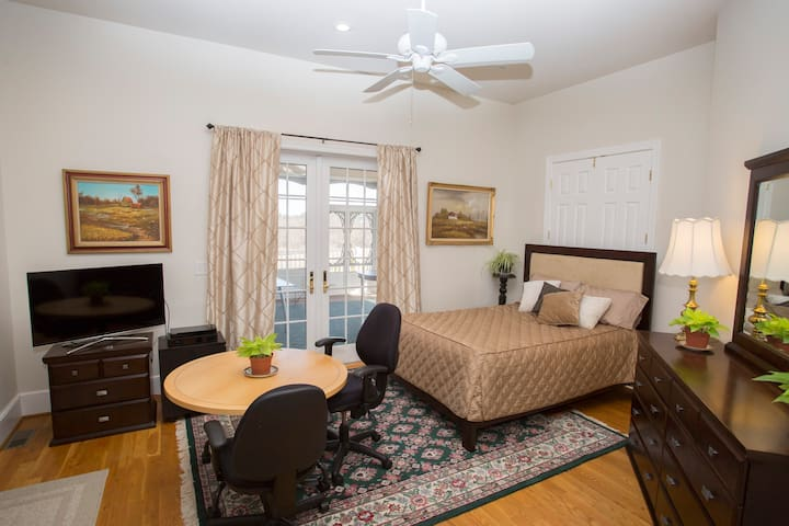 Green room (suite) - Loudoun Valley Manor - Waterford - Casa