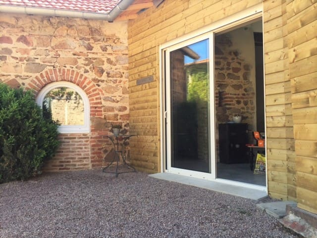 Suite du Domaine d'Aromm - Ouches - Bed & Breakfast