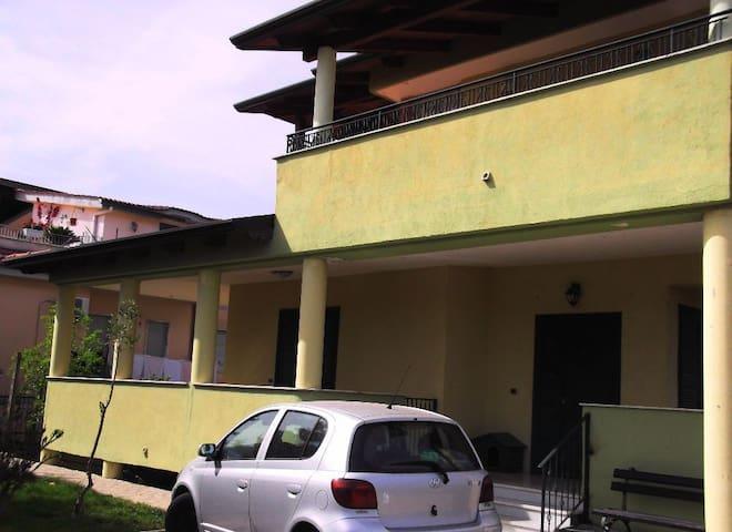 """Blue room """"La chiase longue"""" - Giugliano in Campania - Talo"""