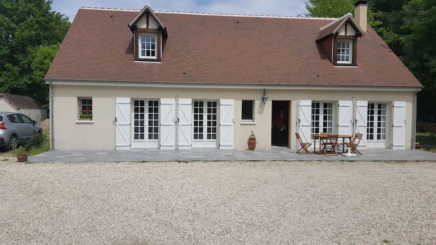 Maison en sologne,étage entier à la location. - Lamotte-Beuvron - Hus