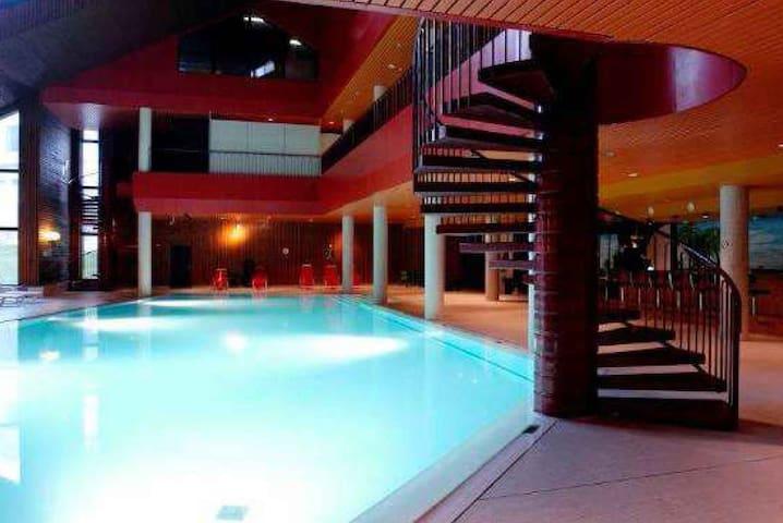 Appartamento con piscina - Mesocco - Leilighet