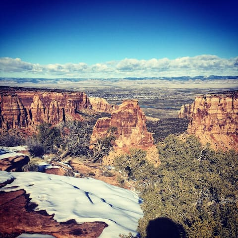 Condo, minutes from hiking/downtown - Grand Junction - Condominium
