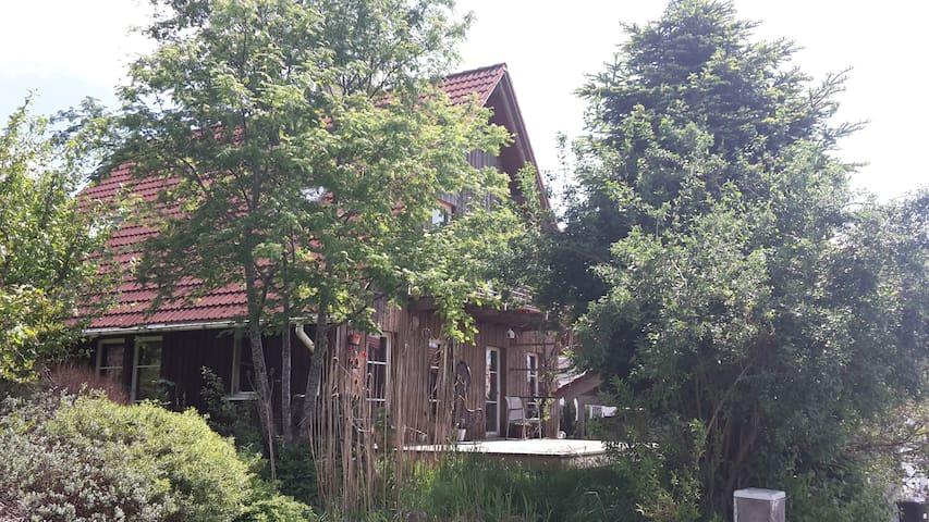 Wunderschönes Liebhaber-Haus - Waldburg - Hus
