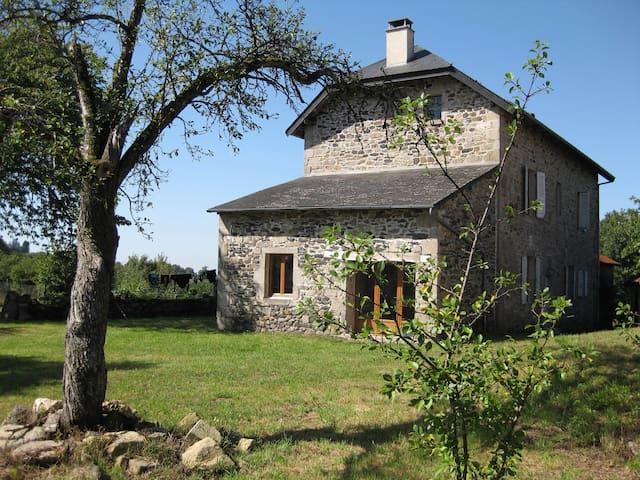 Maison de la Ferme - Bassignac-le-Haut - Casa