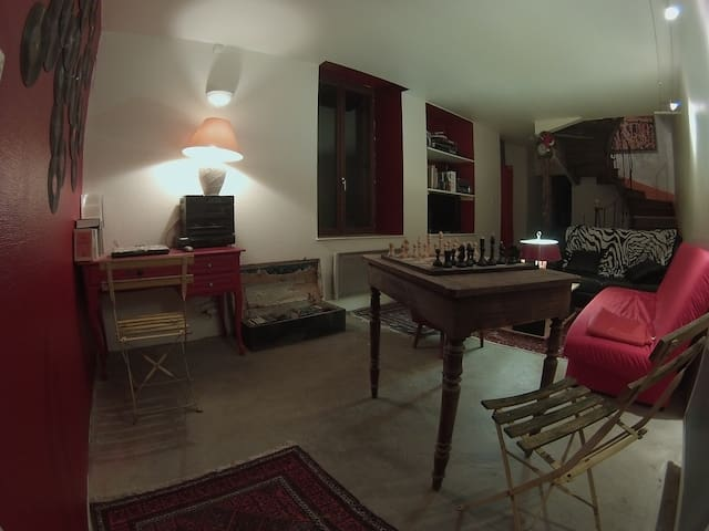 Maison d'artistes pour voyageur - Lamarche - Hus