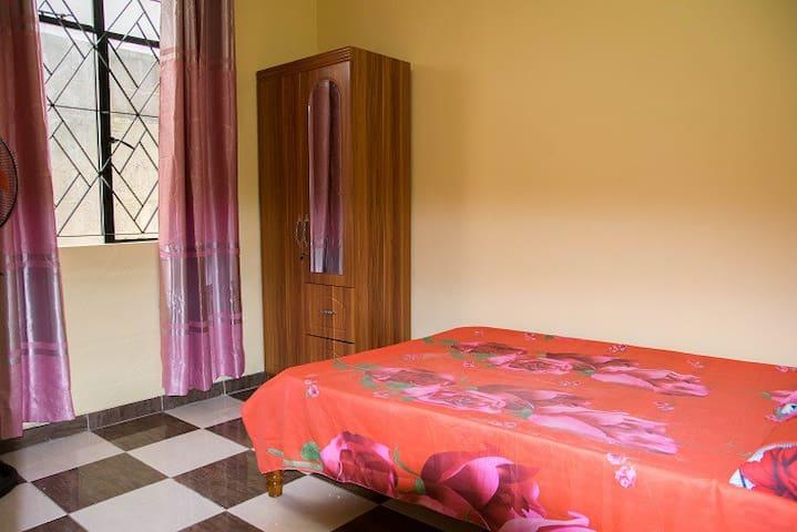 En-suite Double bedroom (A1) - Quatre Bornes