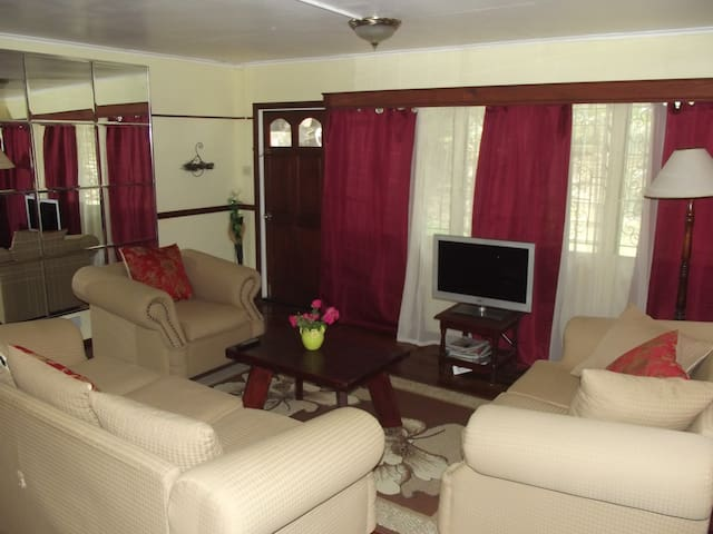 Quiet, Relaxing, Easily Accessible - Castries City - Appartement