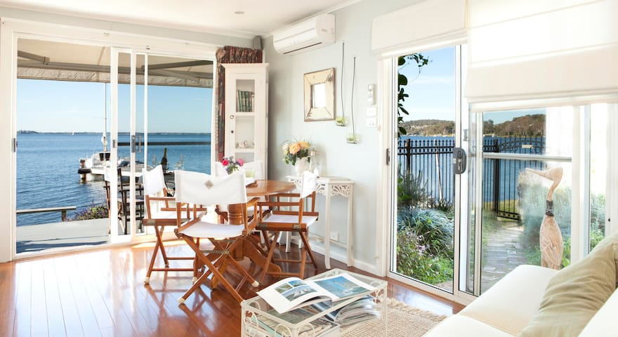 Watersedge Boathouse - Arcadia Vale - Bed & Breakfast