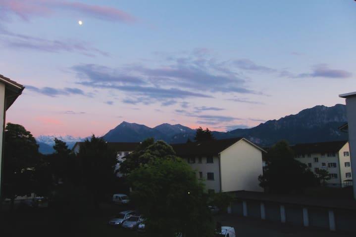 30min from Interlaken, quiet, clean - Steffisburg - Apartamento