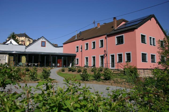Landhaus Waldeifel voor 18 personen - Malberg - Talo