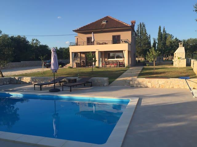 [NEW!] Villa Nar - Holiday Home near Zadar - Galovac/Zadar - Vila