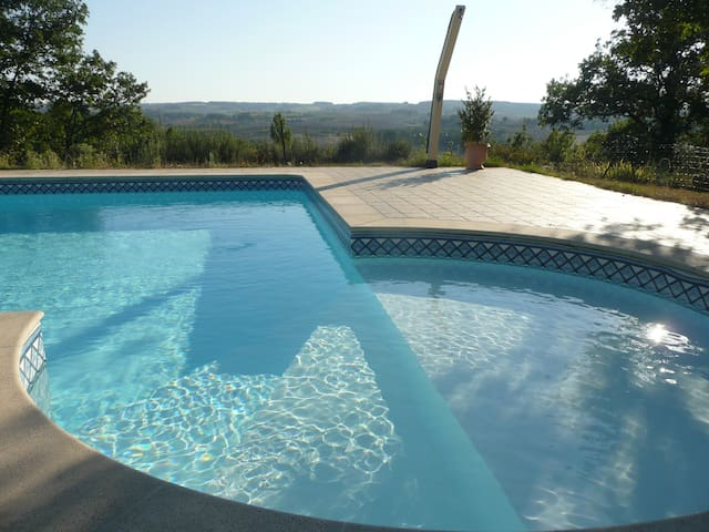 maison lumineuse 8 prs.avec piscine - Marsolan - Haus