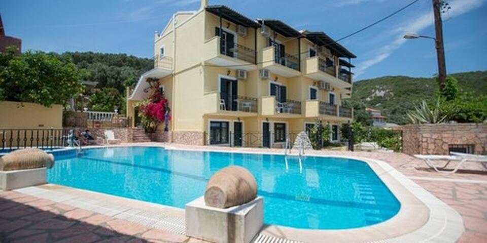 Sea view pool Apartment for 2 - Moraitika - Annat