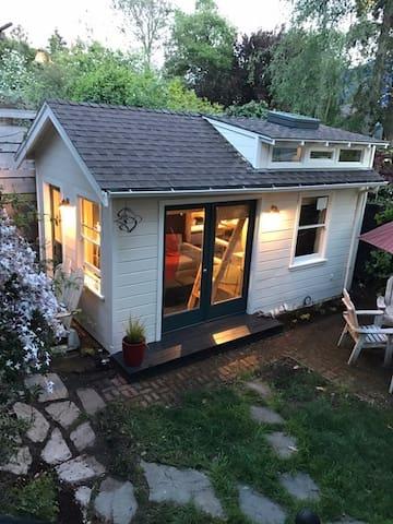 Cozy Berkeley Tiny House in Amazing Neighborhood - Berkeley - Rumah Tamu