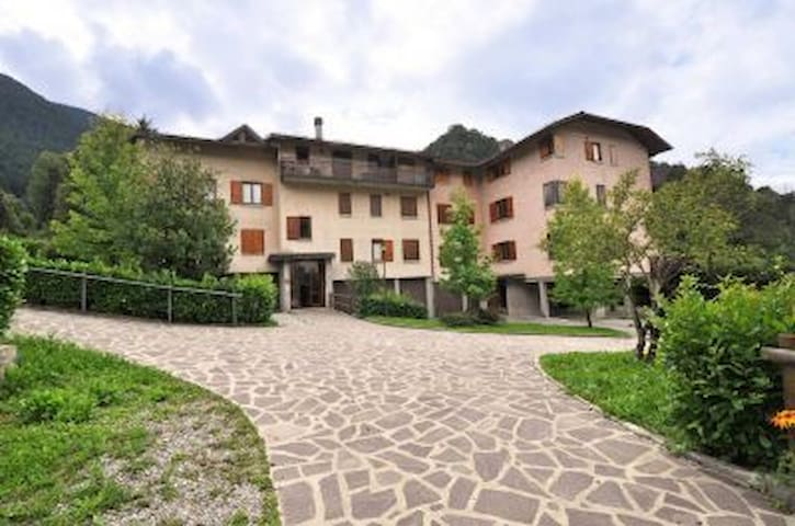 Cozy two bedroom flat mountain view - Piazzatorre - 公寓
