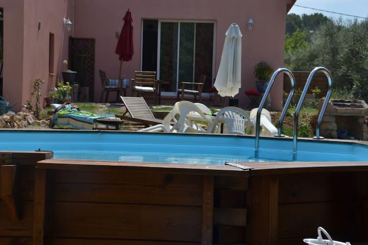 Charmante maison avec piscine - Le Cannet-des-Maures - Hus