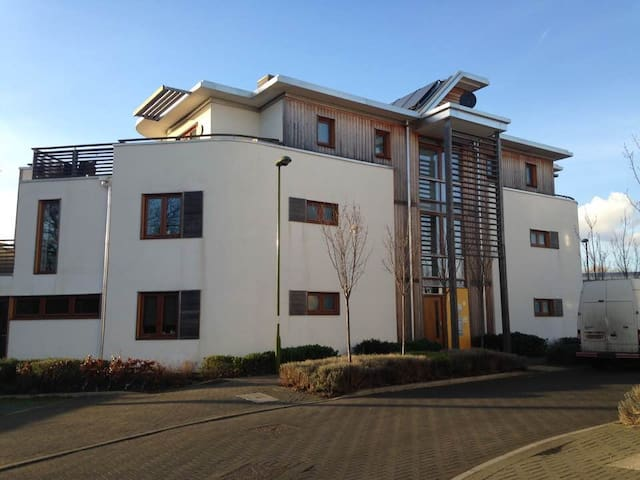 Double room at quiet location - Letchworth Garden City - Apartamento