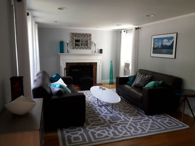 Private BR&BA near Olin, Wellesley, Babson College - Needham - Rumah