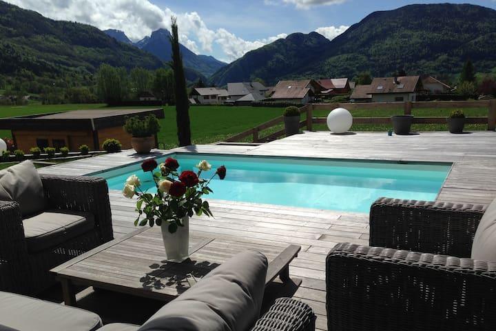 Villa avec piscine proche d'Annecy - Villaz - Villa