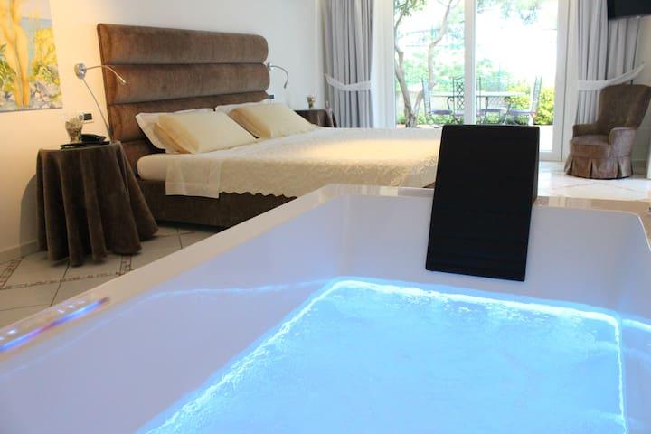 B&B Villa Marinella Deluxe Whirpool - Casamicciola Terme - Bed & Breakfast