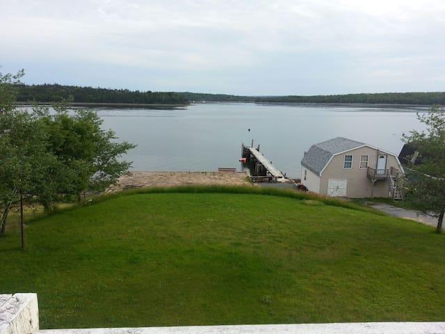 Ryan's Oceanfront Loft - Eastern Passage - Wohnung