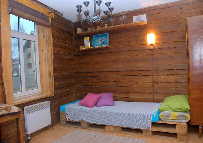Cozy studio in Tallinn`s most loved neighborhood! - Talin - Apartamento