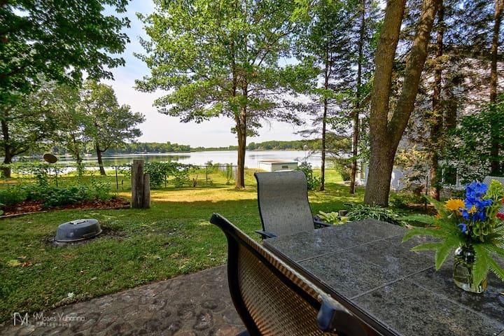 Remodeled lakefront cottage - 明尼阿波利斯 - 獨棟