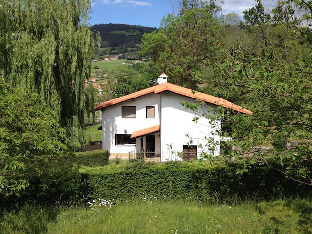 Rural Resort Cantabria, get in touch with nature! - Ampuero - 別荘