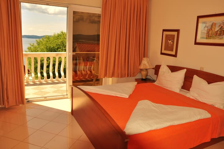 Triple room with sea view B & B - Postup - Bed & Breakfast