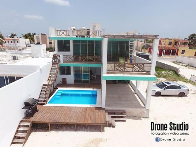 New Lower Level Beach Front Condo - 普羅格雷索(Progreso) - 公寓