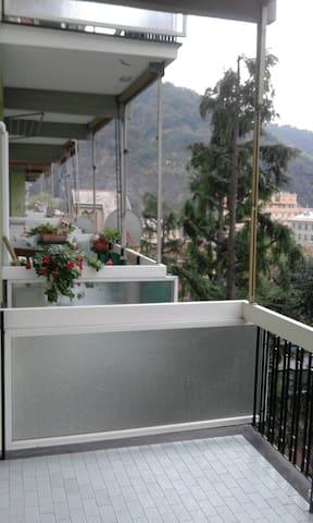 Appartamento familiare con ampi vani. - Genova