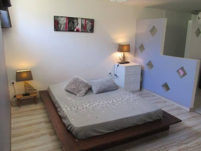 SPACIEUX LOGEMENT indépendant 80m2 - Saint-Jean-de-Cornies - Wohnung
