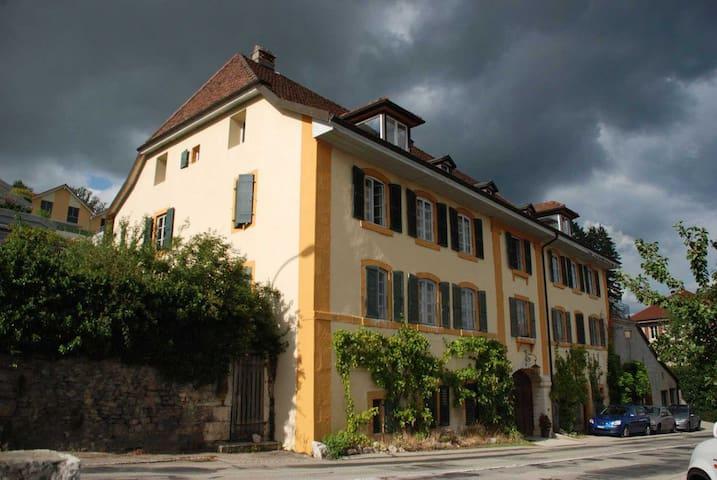 wine grower house- lake view n°1 - Corcelles-Cormondrèche - Huis