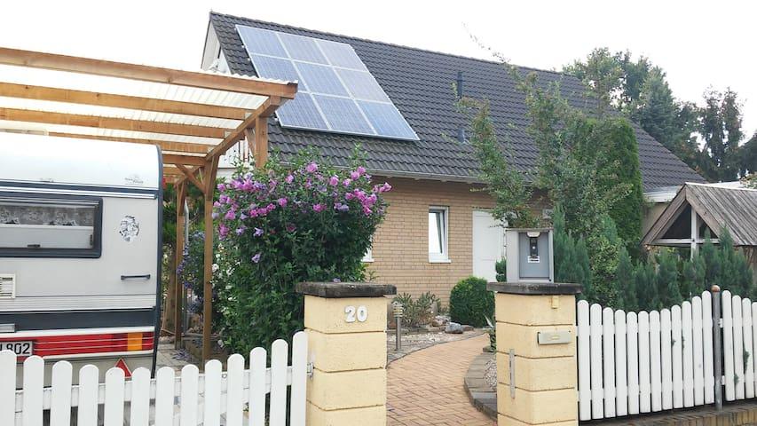 Privat room in Berlins outskirts - Altlandsberg - Дом