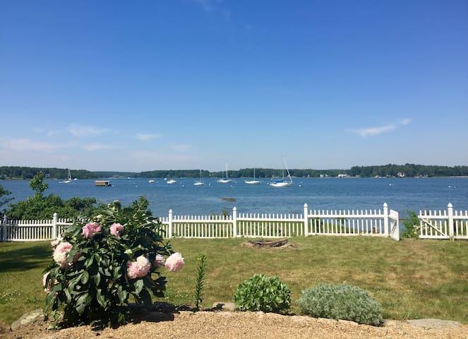 Waterfront Seacoast Getaway - Dover - Rumah