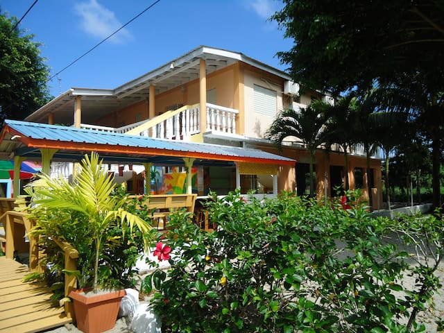 Sea Glass Inn on the water - Placencia - Boutique hotel
