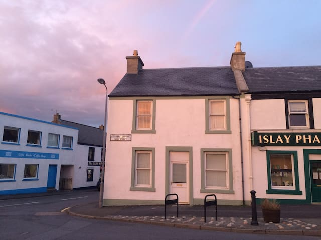 Modern Home in Bowmore - Bowmore