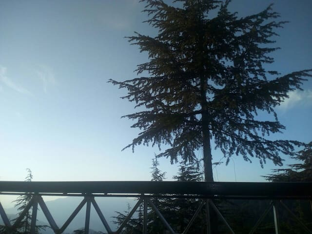Cozy apartment with a beautiful view - Chail - Casa