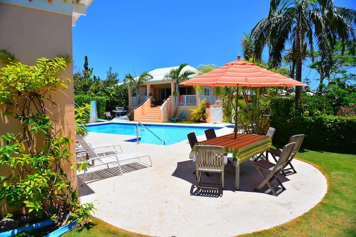 Natalia Pool Cottage,  Bermuda - Warwick - Appartement