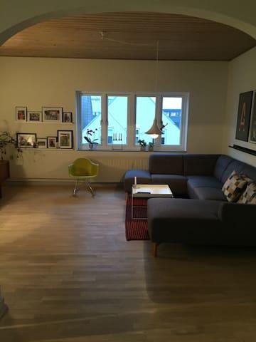 Stor lejlighed i centrum af Sønderborg - Sønderborg - Lägenhet