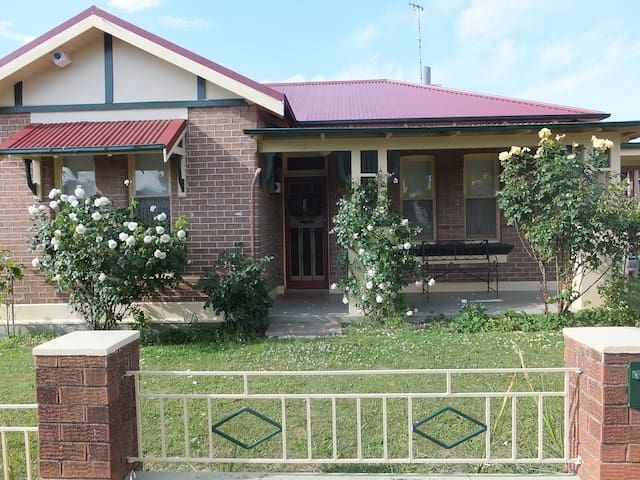 Lovely federation home close to CBD - Orange