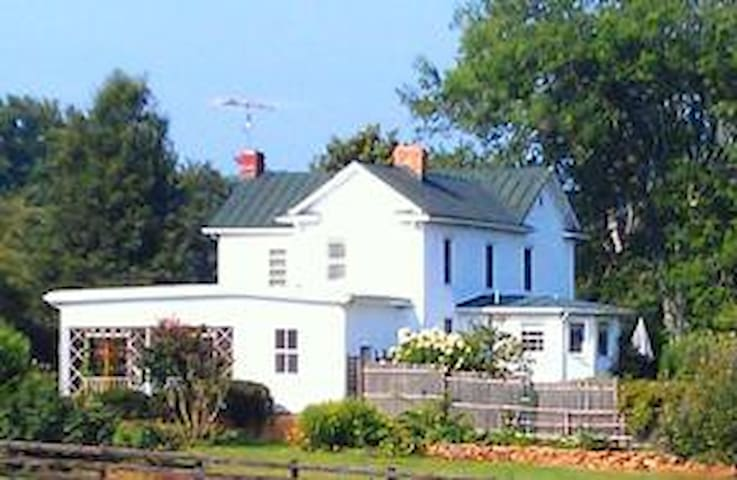 March Hill Farm - Rochelle - Casa
