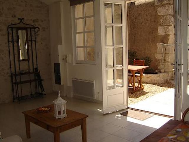 Maison située à 5 minutes du centre ville à pied - Blois - Hus