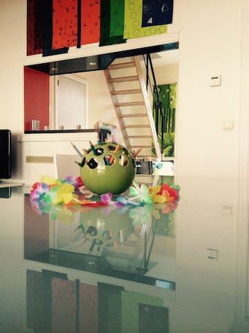 *Shanti House* - Leuven - Lägenhet