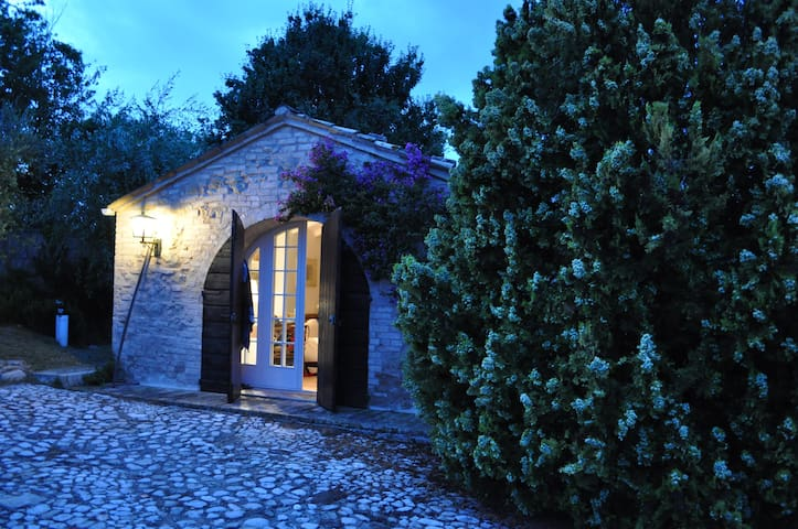 Charming panoramic cottage very close to the beach - Pedaso