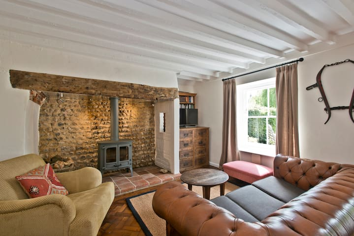 Quaint Norfolk cottage, sleeps 5 - East Rudham - Huis