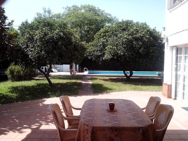 Apto. duplex independiente - Sevilla - Lägenhet