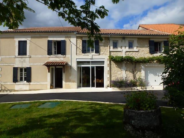 maison en Perigord vert - Léguillac-de-Cercles
