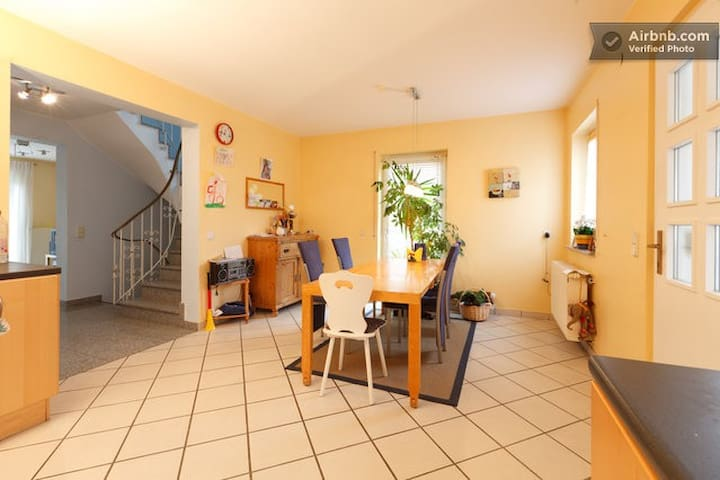 quarto inteiro - Undenheim - Casa
